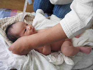 赤ちゃんと助産師